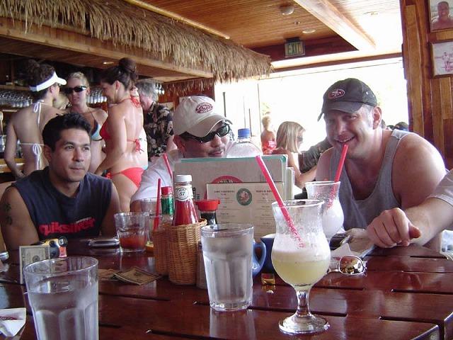 Hawaii_Dukes_Eric_Ricky_Glau.jpg